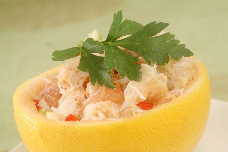 Salade de pamplemousse, pomme Ariane et crabe