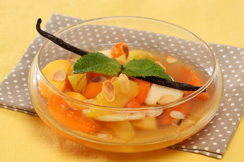 Salade de fruits jaunes au caramel de vanille