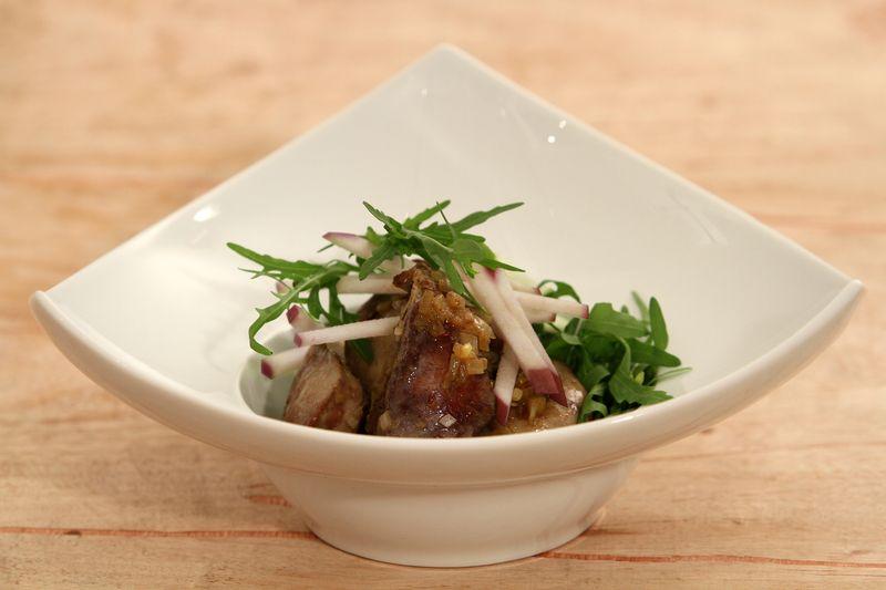 Salade de foies de volaille au vinaigre de Xérès et pomme Ariane