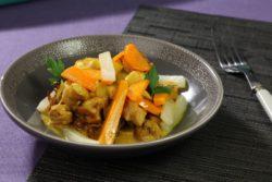 Curry de volaille aux épices douces, légumes et fruits d'automne mijotés