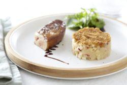 Foie gras poêlé, Crumble de pomme Ariane au pain d'épices