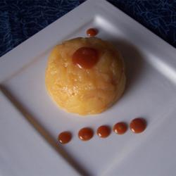 Dômes de pommes Ariane, sauce caramel au beurre salé