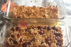 Crumble-pommes-et-pommes-cerises-Ariane