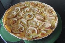 Tarte-aux-pommes-Ariane-a-la-creme-patissiere