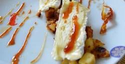 Camembert sur compotée de pommes