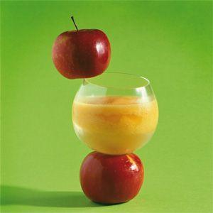 Smoothie aux pommes, mangue et orange