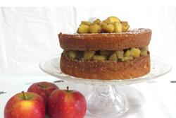 Layer cake au caramel, épices et pommes fondantes