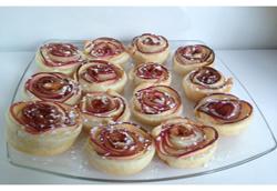 Roses de pommes au coeur caramel